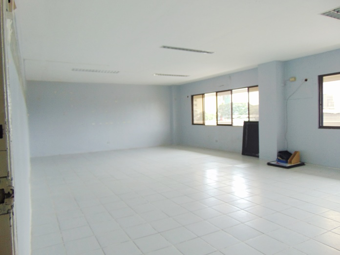 Ground Floor Ideal For Retail, Commercial Or Office Space near Ayala, Cebu City