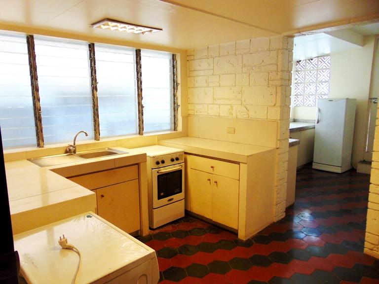 house-located-in-banilad-cebu-city-4-bedrooms