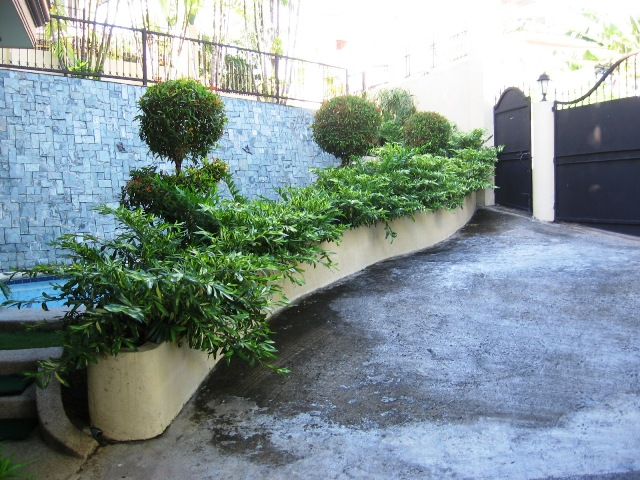 for-rent-house-with-swimming-pool-in-banilad-cebu-city