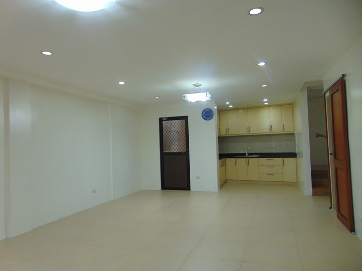 4-bedroom-un-furnished-house-in-banilad-cebu-city