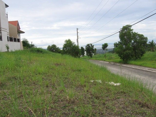 lot-for-sale-in-pacific-heights-talisay-city-cebu-600sqm-with-sea-view