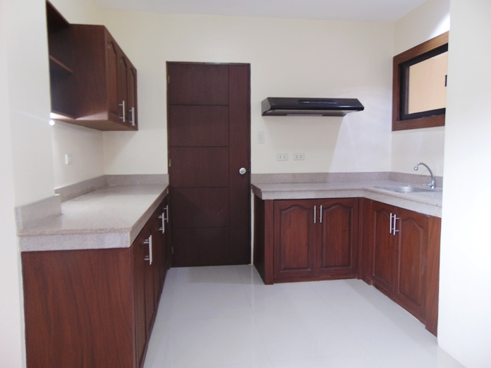 apartment-located-in-guadalupe-cebu-city-4-bedrooms