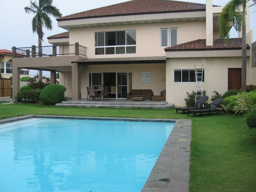 4-bedrooms-house-and-lot-with-swimming-pool-in-maribago-lapu-lapu-city
