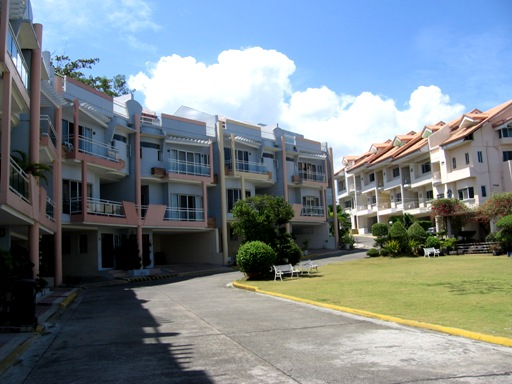 townhouse-located-in-talamban-cebu-city-4-bedroom-furnished