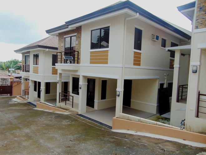4-bedrooms-house-in-banawa-partially-furnished