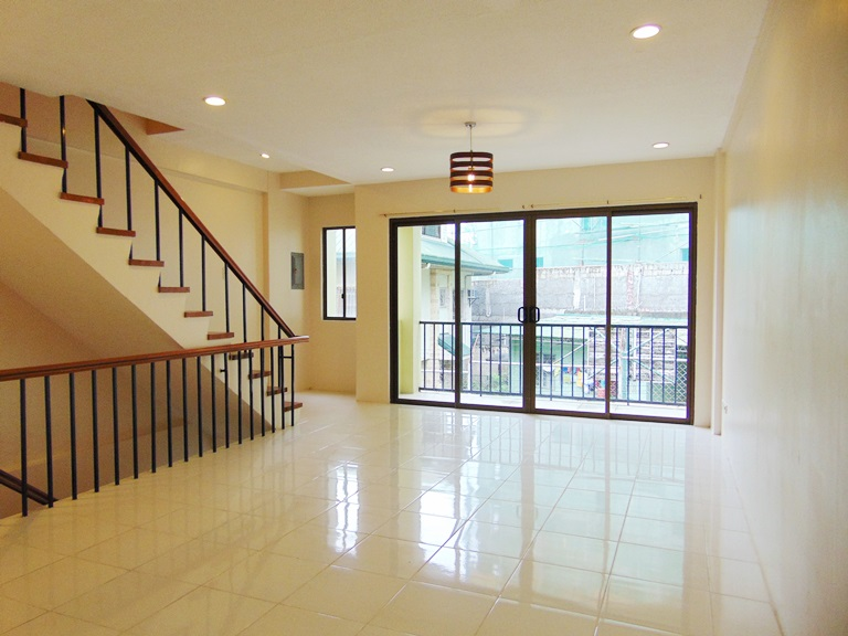 3 Bedrooms Apartment located in Banawa, Cebu City