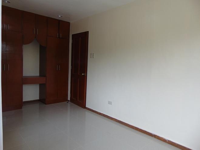 duplex-house-4-bedrooms-located-in-talamban-cebu-city