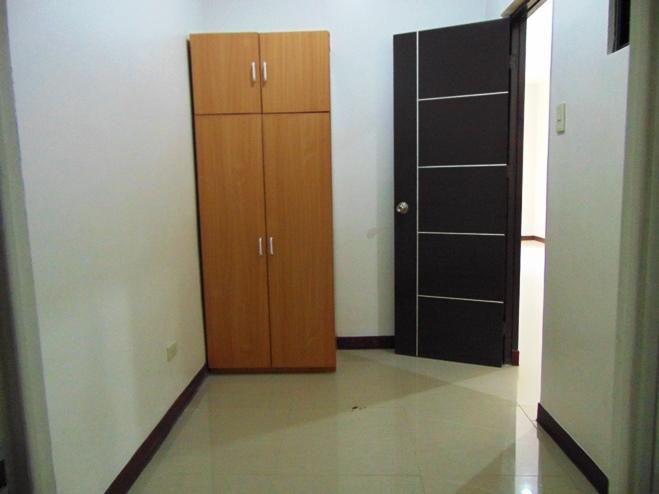 3-bedrooms-un-furnished-apartment-in-banawa-cebu-city