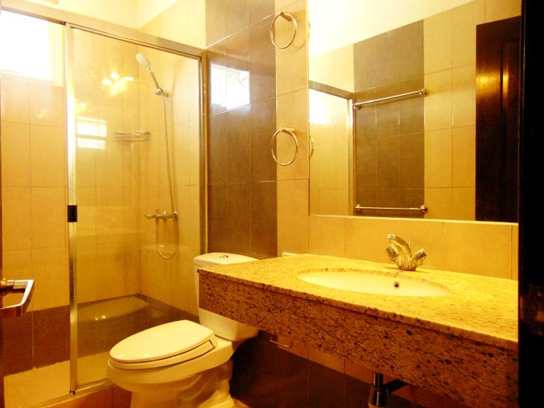6-bedrooms-house-located-in-lahug-cebu-city